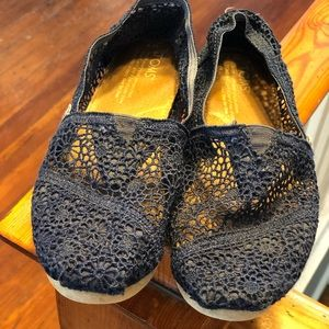 Navy lace TOMS